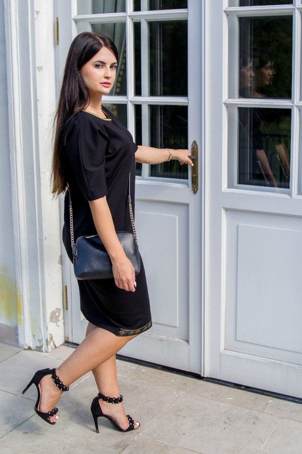 elegancka wyszczuplająca sukienka